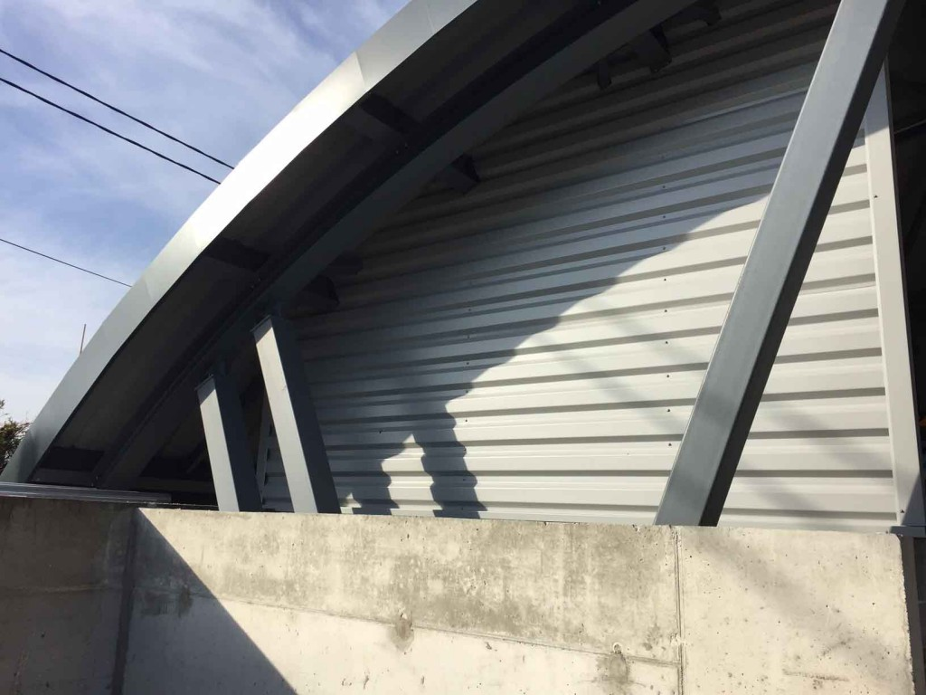 abri-cer-saint-etienne-de-saint-geoirs-toiture-cintree-3